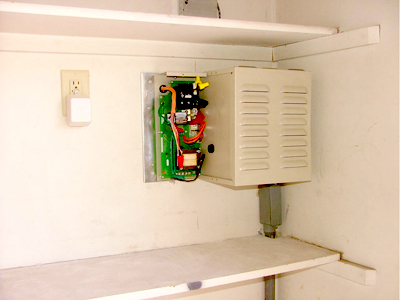 WarmQuest's control box ensures safe and effective floor heating.