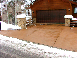 WarmQuest's Hott-Wire provides a heated driveway for snow melting and safety